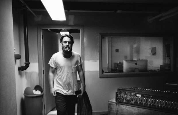 "The next big thing: der Australier Chet Faker mit seinem Debütalbum ""Built On Glass"" (Foto: Lisa Frieling)"